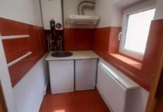 4 11 536x370 - Garsoniera de inchiriat Kogalniceanu